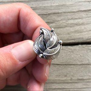 Sterling Silver Vintage Leaf Ring - Size 7